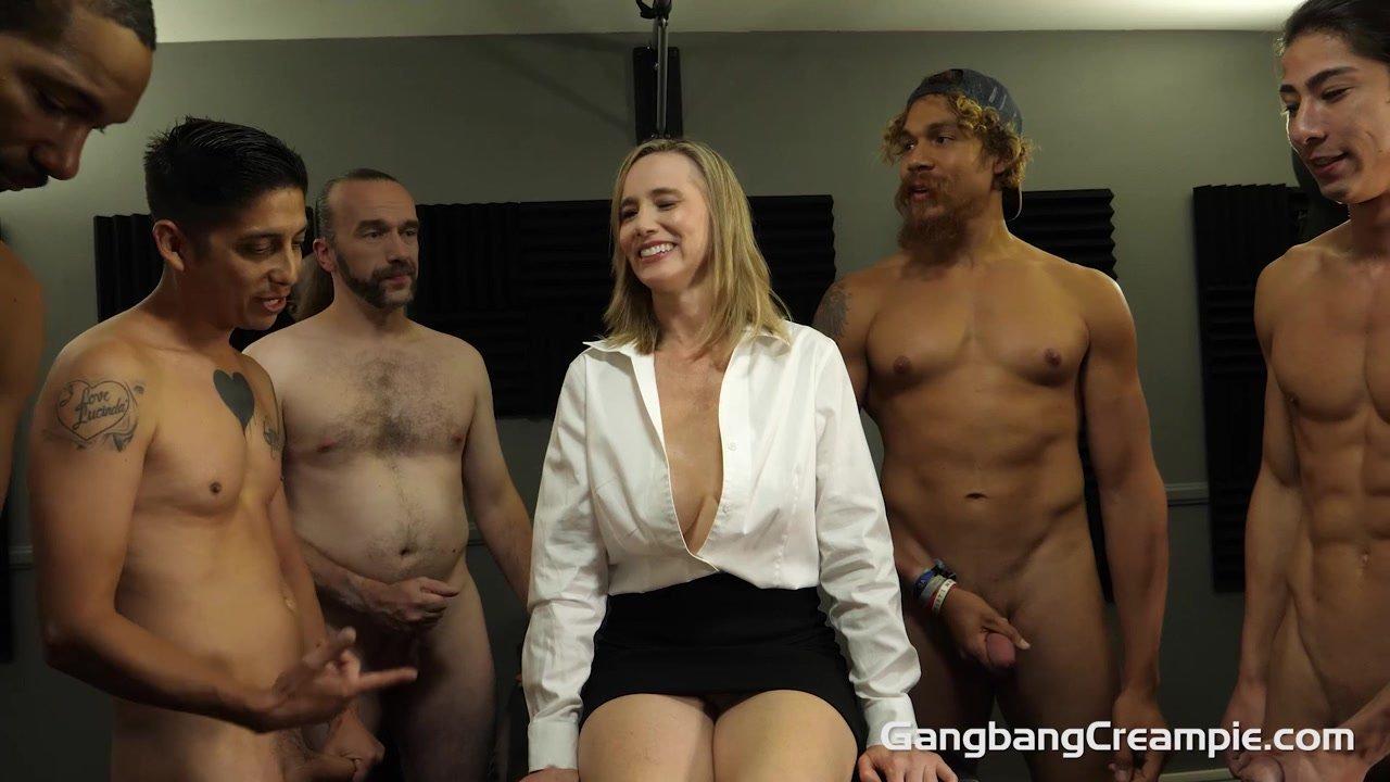 Very Wet Creampied Vagina - Interracial Porn Clip
