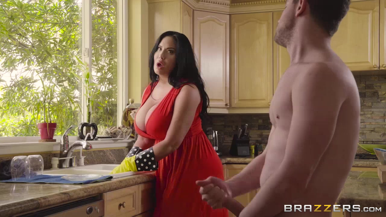 Congratulate, what half naked stepmom fuck you have
