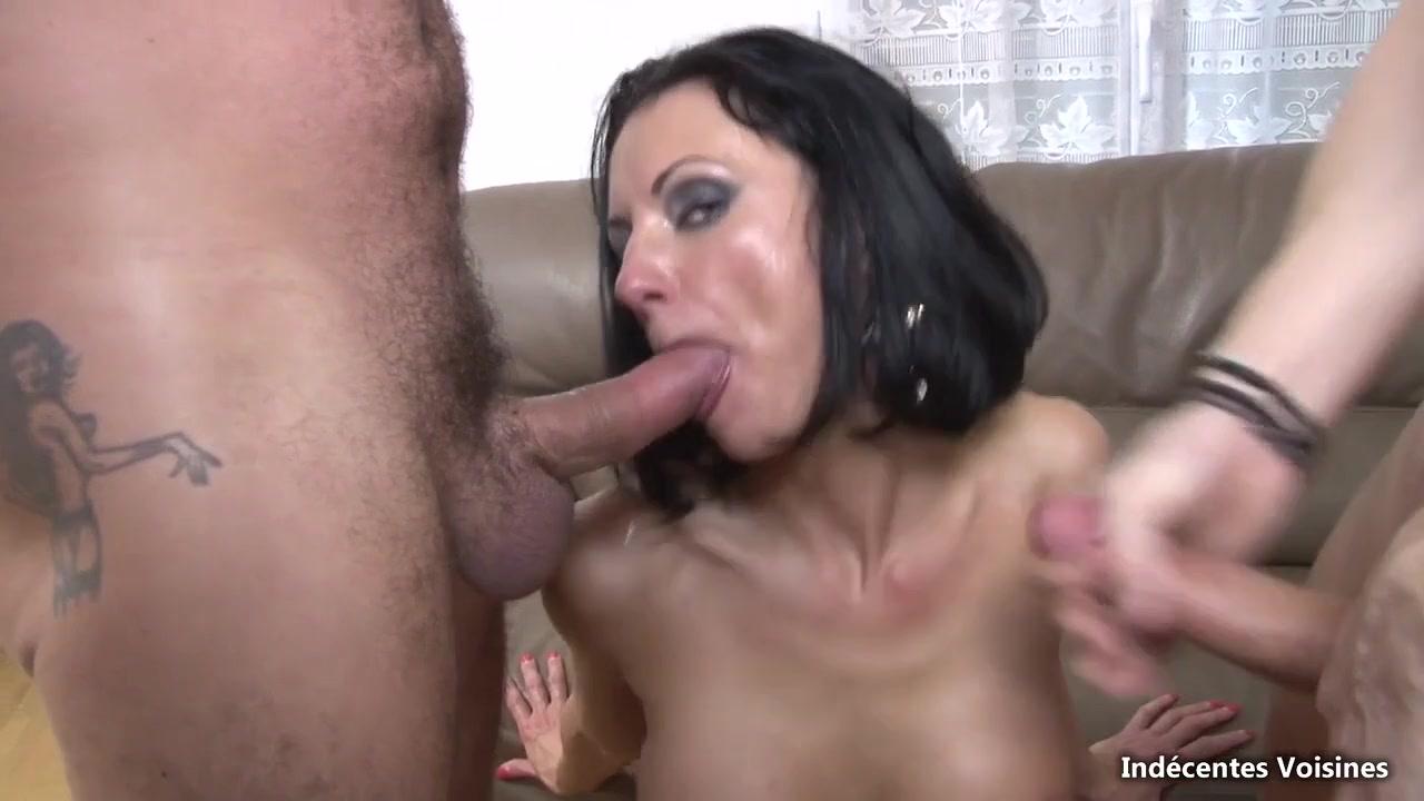 Hot MILF Elvira Outdoor Gangbang / Xozilla.com